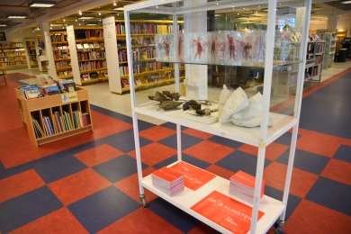 SPOR KUNSTEN reklame på Hammel Bibliotek 2
